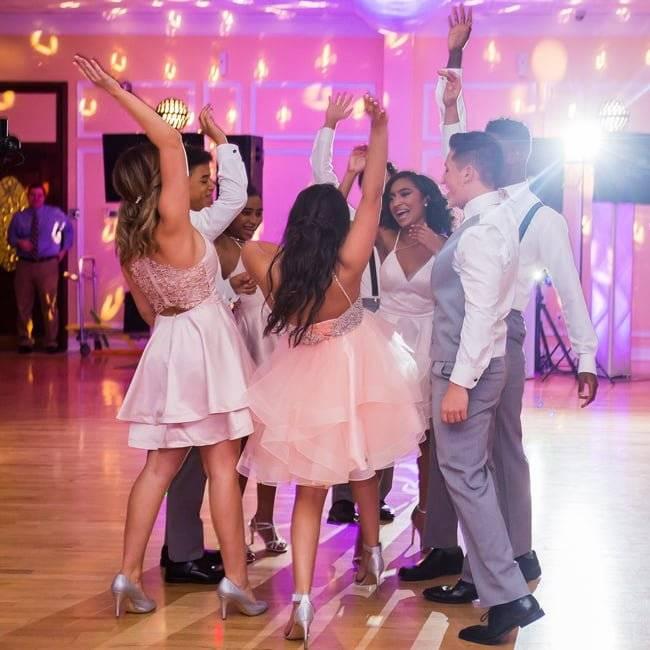 Prom event, Falls Manor